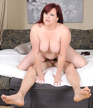 Plump dynamo Marcy Diamond rides her lucky man's cock