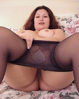 Splendid amateur teases her juicy twat while exposing her natural big tits in a fantastic underwear, all alone in her apartment.