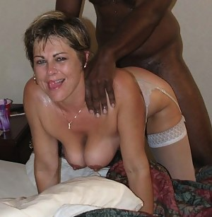 MILF Interracial Porn Pictures