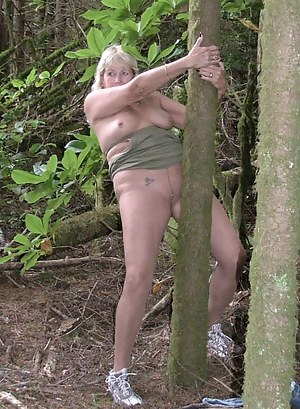 How would you like to be walking in a Georgia forest and find a naked woman playing with her pussy  Come and see