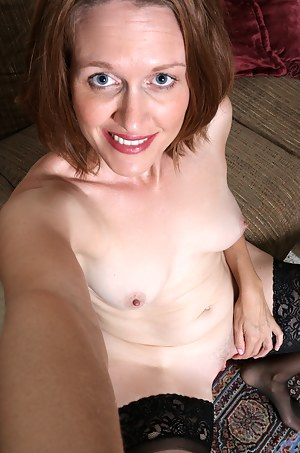 Cock hungry mommy teases her tight shaved twat until she cums