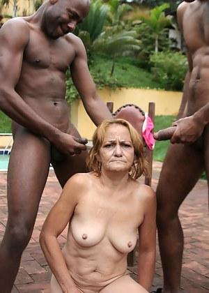 Kink up that mature slut with black cocks