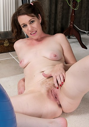 Molly Golly form AllOver30 gets naked with her palate ball in here