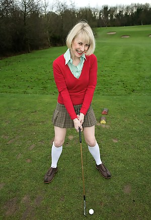 52 year old Hazed spreads her hairy pussy after a round of golf