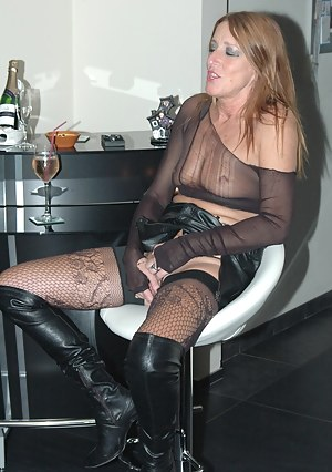 I put on a kinky nylon pussy play show for my hot date.