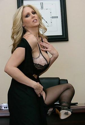 Tipsy may not be the right word for it. It looks like she's shit-faced from all that champagne. Watch this divine blonde get her experienced pussy pleasured.