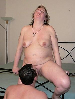 Blonde chubby mature slut having great sex fun