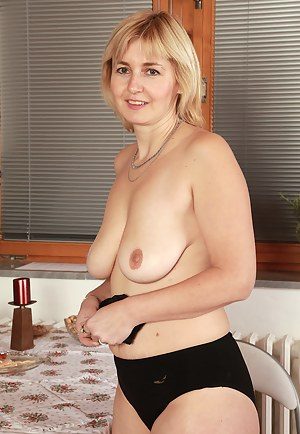 At 43 years old blonde Nella from AllOver30 looks great with no clothes