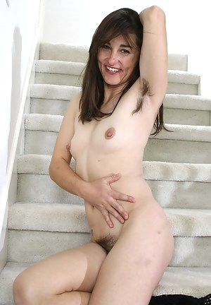 Hairy pitts and hairy pussy makes MILF Shelby hard to miss here