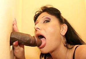 This mature slut loves whats coming through the hole