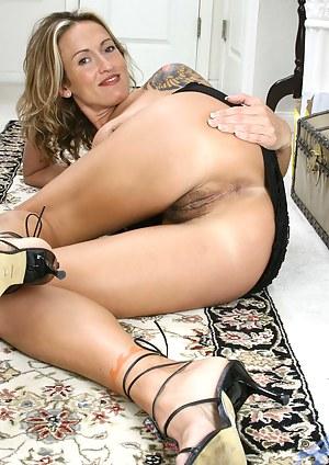 Pussy bilder milf Hot Wet