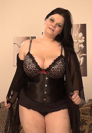 lovely milf with huge boobs