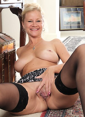 Hot blonde 44 year old Heidi Gallo takes a break to spread for us