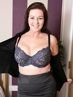 Hot British housewife getting ready to be naughty