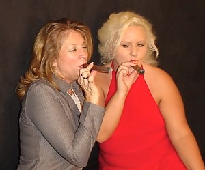 The Sexy Wildblondeflower joins me here for some Cigar fun. Along the way, we found some other ways to play, too. We eve
