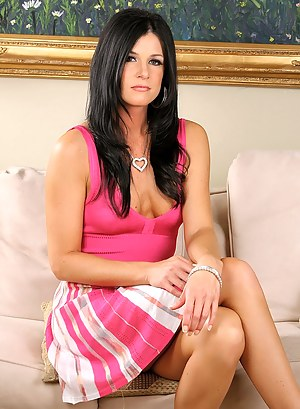 Glamour MILF Porn Pictures