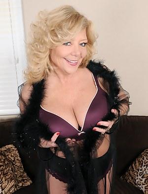 52 year old Karen Summer from AllOver30 slips off her purple panties