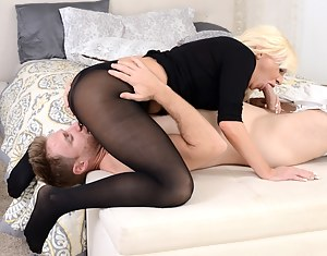 Lustful woman having white hair is getting banged by her partner extremely hard. She is also demonstrating her great foot fetish skills.