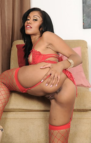 Exotic MILF Yasmine De Leon rocking her body in skin tight lingerie