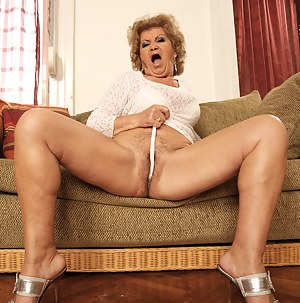 hairy mature slut playing by herself