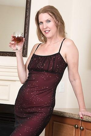 Drunk MILF Porn Pictures