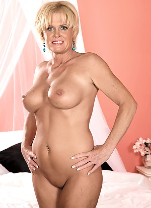 MILF Perfect Tits Porn Pictures