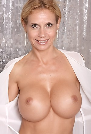 Brooke loves to show off her perfectly round tits.
