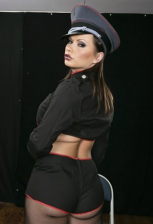 Juicy slut is looking so hot wearing black boots and the leather jacket. She is practicing hardcore fuck session with the strong army man.