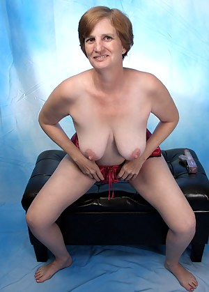 Naked Anilos grandma stuffs her mature pussy with the rabbit vibrator