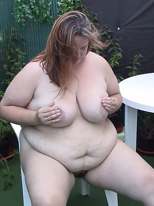 Fat housewife sucking cock in her garden