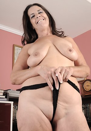 This naughty housewife loves to get herself dirty